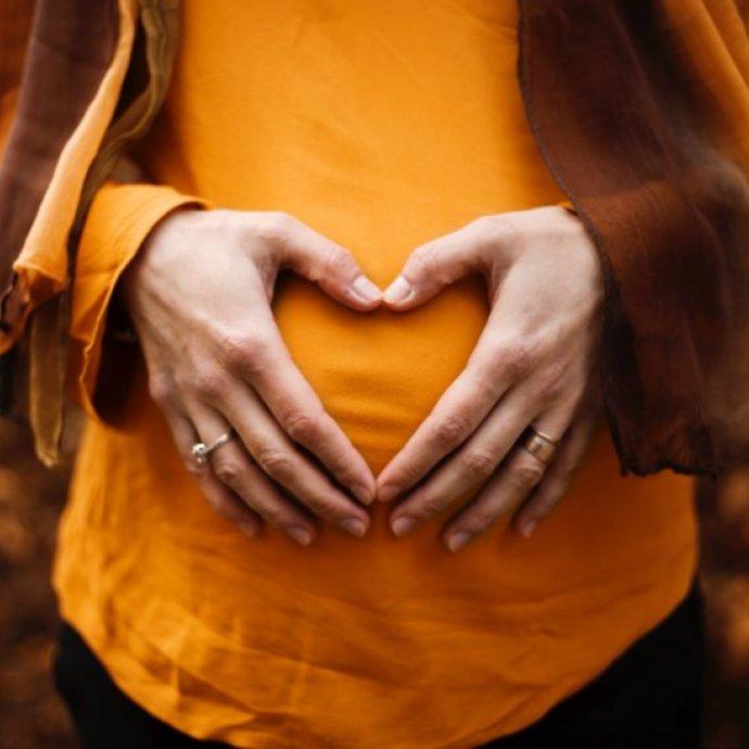 A dieta na gravidez / amamentação e o risco de alergia alimentar no bebé
